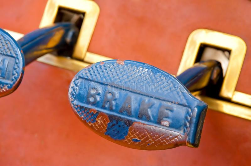 brake-pedal-15471901