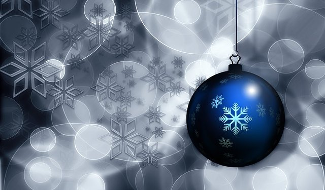 christmas-holiday-ornament-blue-image-public-domain-morguefile-640x375